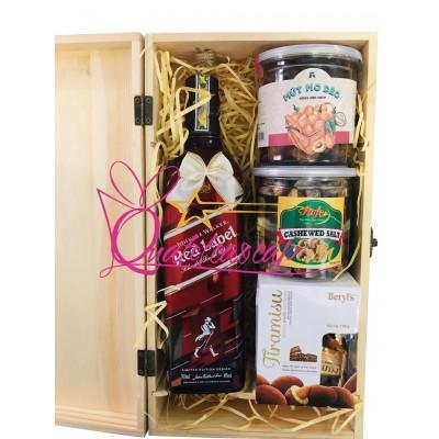 Hộp quà tết gỗ Red Label