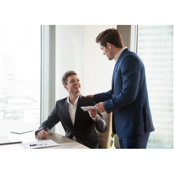 Bí quyết chọn quà tết nhân viên ý nghĩa và hợp xu hướng 2022