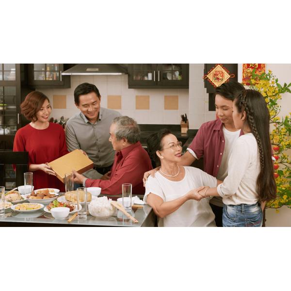 Nên mua gì làm quà tết Tân Sửu 2021 vừa ý nghĩa vừa hữu dụng